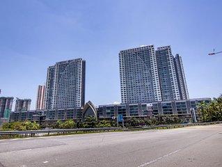 El Conezion Penthouse − Top floor | Golf course view | Wi-Fi & Netflix provided