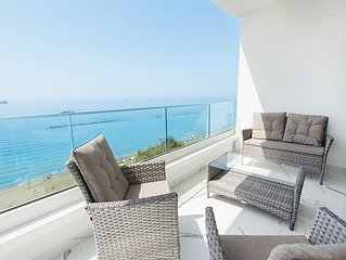 Luxury accommodation in Limassol with magnificent sea view