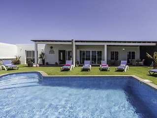 Stunning   private  villa with 4 double bedrooms