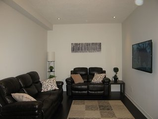 Newly Built 4 BR, 3.5 WR Home 5mins from Airport+high speed internet+2Parking!