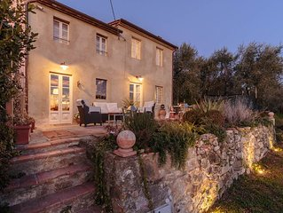 VILLA MARZIA, your Farmhouse Retreat with Garden and Panoramic View in Lucca
