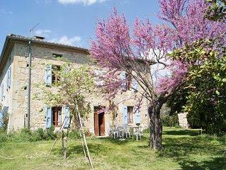 Maison de maitre rénovée proche du lac Saint Ferreol . Séjour ou vacances