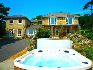 MANOR ON COAST WITH SWIMMING POOL, TENNIS COURT, BIG GAMES ROOM + BAR, SEA VIEWS