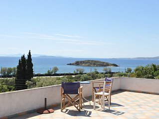 Villa Linares is a family friendly residence in the Athenian Riviera.
