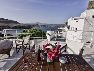 Lindos Centre - Villa for 10 guests - Roof Terrace - Fantastic Sea Views