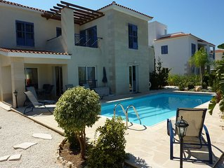 3 Bed Villa,Private Pool, Sea View and WIFI