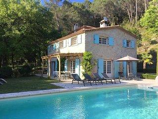 Landelijk gelegen Villa voor 8-10 personen, met verwarmd zwembad