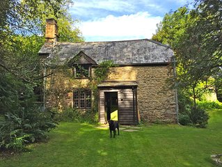 16th Century Grade II Listed Cottage in Heart of Dartmoor National Park
