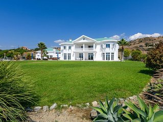 6 bedroom luxury villa with exquisite view of the picturesque valley & mountains