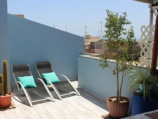 2 Bedroom Penthouse with a nice private terrace 5min to beach