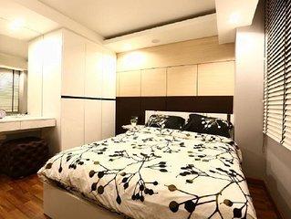 SB Home 2BR Apartment  82spm, Sukhumvit /WIFI/TV/BIG POOL/ BTS