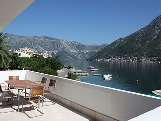 Luxurious Seafront Apartment