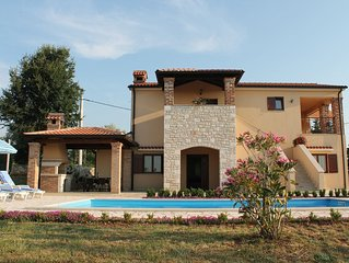 Comfortable house with swimming pool in quiet village
