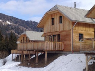 Luxury 4 bedroom Chalet with Hot Tub (sleeps 8 people comfortably)