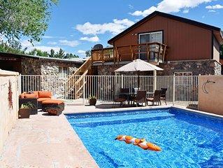 2 Houses! 5bd/4ba Rustic Cabin Retreat Pool & Spa