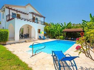Sun Beach Villa Thio: Large Private Pool, Walk to Beach, A/C, WiFi, Car Not Requ
