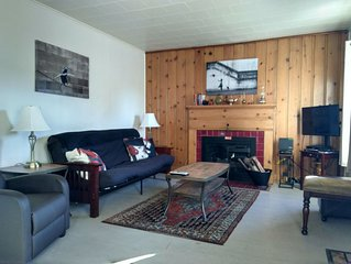1928 Cottage-Just Steps To Downtown and Amphitheater! $10 Off Ski Lift Tickets!