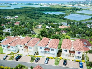 New and modern 2 Bedroom Tropical Paradise with views of the Caribbean Sea