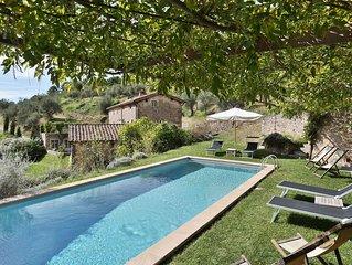 Villa a Vorno con 5 camere da letto e 11 posti letto