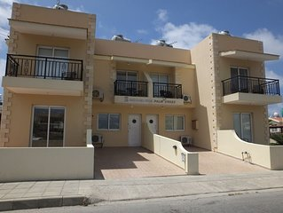 Luxury Town House In Peaceful Location-WiFi & UK TV, 2 bedrooms & 2 ensuites