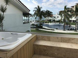 Luxury Oceanfront Villa, 4 bedrooms.