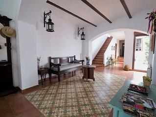 Casa Besana es una antigua casa de labranza reformada en La Mancha toledana.