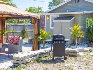 ADORABLE BUNGALOW 12 MIN FROM BEACH DOWNTOWN NEWLY RENOVATED