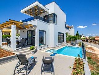 New modern Villa Bora