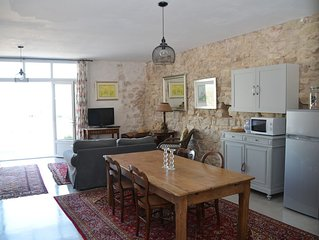 Comfortable, newly renovated apartment, Bages, Narbonne.