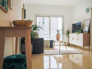 Phaedrus Living: Central Luxury Flat Esperidon 201
