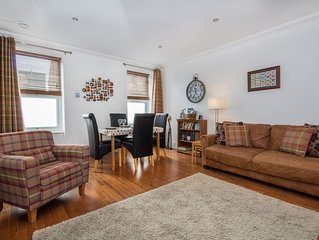 Spacious City Centre Apartment 2 minute walk from pubs, restaurants and shops.