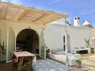 Tranquil and romantic private villa, trullo and pool set in organic olive grove