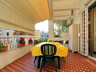The Roman holiday with your family. Central flat in Rome up to 8 people