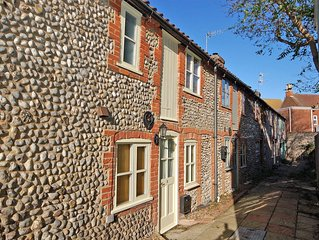 2 Museum Cottages - traditional flint cottage, a cosy, romantic retreat in the h