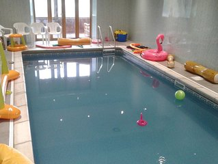 Wild Cherry- 1 bedroom cottage sleeps 4 with shared indoor heating swimming pool