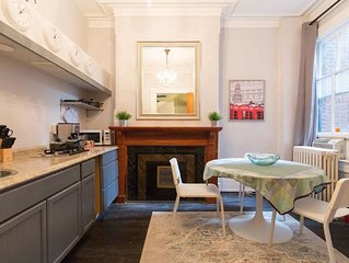 Renovated 1 Bedroom Apartment in Luxury Historic Rowhome, Parking, Keyless Entry