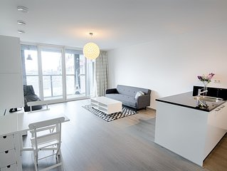 Luxury 2-bedroom with parking, 24 h open fitness..