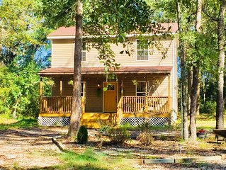 CABIN IN THE WOODS, just outside of Myrtle Beach and very close to CCU.