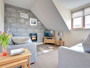 Honeypot Cwtch is perfect for a relaxing break. Set in the market town of Narber