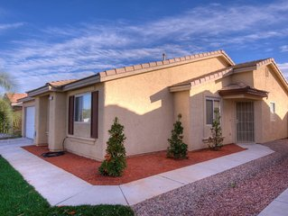 Home in Vegas ...Entire upgraded 3/2 house ,20-25 min from Vegas Downtown