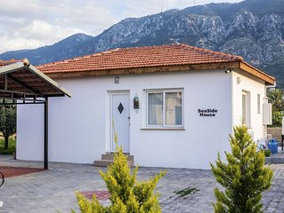 Seaside House 2 Double Bedrooms With Spectacular Mountain Sea View
