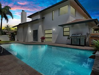Beautiful Luxury 3 bedroom 3 bath house on a golf course with pool