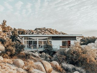 Mid-Century Modern Desert Getaway on 10 Acres