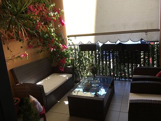 Flowers Apartment in Bari
