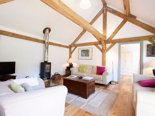 Pickle Cottage Tenterden - modern, airy converted barn, formerly a pig shed!