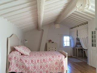 Maison de charme en Provence avec vue panoramique, a 3km de la plage