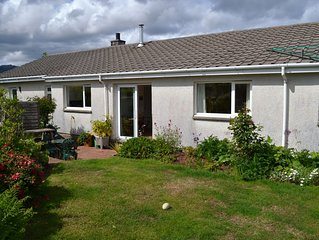 Spacious, well equipped 3 Bedroom Bungalow in Brodick with views of Goatfell