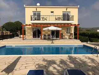 Spacious,quiet villa in a secluded tranquil location with amenities nearby