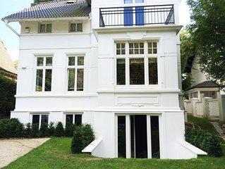 Zauberhafte Wohnung in Grunderzeit-Villa im Alstertal