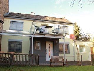 Haus Annemarie - Sonniges Ferienhaus, nahe der Weinberge